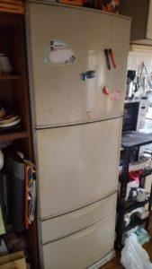 使い古した冷蔵庫